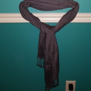 Accessories - Grey scarf